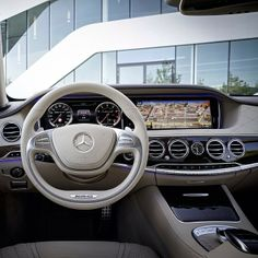 This 2016 Mercedes S-Class has a beautiful interior.  I want one really, really, really bad.