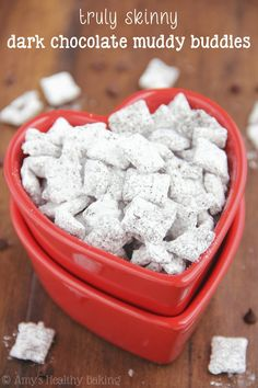 Skinny Dark Chocolate Muddy Buddies -- a really easy recipe with none of the guilt! | amyshealthybaking.com
