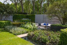 Chelsea Flower Show 19 – 23 May 2015. 'The Telegraph Garden' Designer: Marcus Barnett