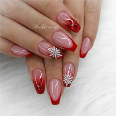 Christmas is approaching. Is your Christmas nails ready? Are sweater nails popular this year, or classic red nails, or are you still uninspired? Sexy Nail Art, Pink Nail Art, Sexy Nails, Trendy Nails, Cute Nails, Red Nail, Red Sparkly Nails, Blue Glitter Nails, Gold Nails