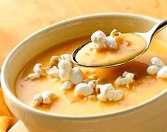 beer cheese soup with popcorn garnish food-soups-stews Beer Soup, Beer Cheese Soups, Hot Soup, Soup Recipes, Cooking Recipes, Irish Recipes, Curry Recipes, Easy Recipes, Sweet Potato Curry