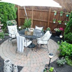 Urban Backyard Makeover with Outdoor Mosquito Repellent Lighting - Home Stories A to Z Outdoor Living Rooms, Outdoor Spaces, Outdoor Decor, Outdoor Ideas, Outdoor Life, Deck Makeover, Backyard Makeover, Backyard Landscaping, Backyard Ideas