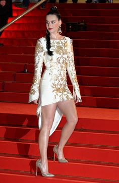 Katy Perry called out on French awards show for lipsynching: sad or funny?