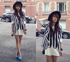 90s Tank, Black And White Stripes Blazer, Zara Hat, Nicholas Kirkwood Pump Shoes