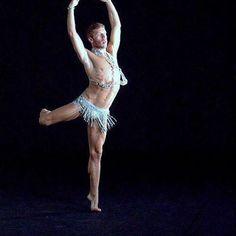 #splendida #danza con #cristalli di #davidefortin. Esempi di backstage. #arte e #moda info@oro18.eu