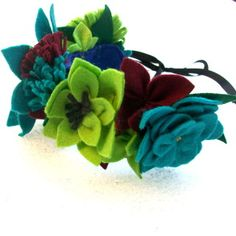 page dedicated to making felt flowers