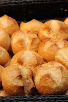 Bread Maker Recipes, Artisan Bread Recipes, Best Bread Recipe, Amish Recipes, Baked Donut Recipes, Egg Roll Recipes, Brotchen Recipe, Bagel Bread, Yeast Bread