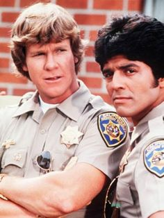 "Larry Wilcox and Erik Estrada as California Highway Patrol Officers Jonathan A. Baker and Francis (Frank) Llewelyn ""Ponch"" Poncherella in ""CHiPs"". 80 Tv Shows, Great Tv Shows, Movies And Tv Shows, Larry Wilcox, Mejores Series Tv, Cinema Tv, Vintage Television, Hollywood, Vintage Tv"