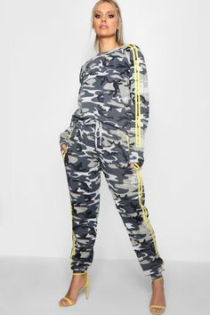 Click here to find out about the Plus Tina Camo Sports Stripe Jogger Set  from Boohoo