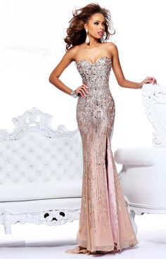 Strapless Sleeveless A-Line/Princess Floor-Length Beading Dress
