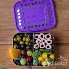 LunchBots Quad Stainless Steel Food Container - Four Section Design Perfect for Healthy Snacks, Sides, or Finger Foods On the Go - Eco-Friendly, Dishwasher Safe and BPA-Free - Green Dots Healthy Meal Prep, Healthy Snacks, Healthy Recipes, Healthy Eating, Healthy Options, Sin Gluten, Stainless Steel Lunch Box, Easy Christmas Treats, Work Meals