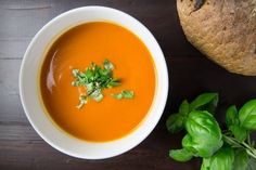 Zdravá večeře: 20 jednoduchých receptů na zdravá jídla Soft Foods To Eat, Foods For Healthy Skin, Fall Soup Recipes, Tomato Soup Recipes, Low Carb Menu, Janta Low Carb, Weight Loss Soup, Tomato Basil Soup, Vegan Soups