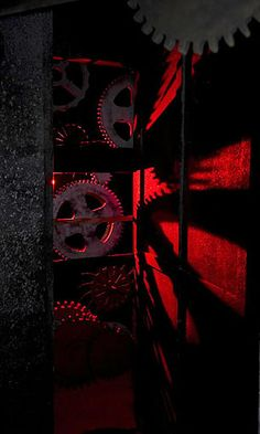 Cog shadows - The Saws N' Steam house scare zone. Foam board, metallic paint work & red back lighting. Casa Halloween, Halloween Circus, Steampunk Halloween, Halloween Horror Nights, Halloween Displays, Halloween 2015, Halloween Projects, Halloween Themes, Halloween Decorations