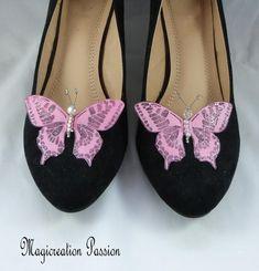 clips chaussures papillons soie rose, corps de  perles, modèle Maéva Rose Fuchsia, Clip, Chanel Ballet Flats, Flip Flops, Sandals, Shoes, Women, Fashion, Butterfly Shoes