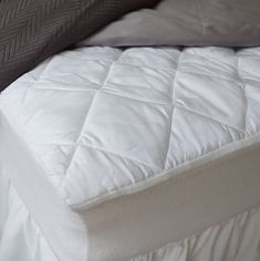 Our mattress pads cinch to your mattress so you never have to worry about adjusting! They are temperature regulating and perfect for people who sleep warm at night. Available in all home, boat, RV and adjustable bed sizes.