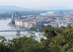 Budapešť - krásný pohled na část města.