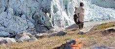 Sciogliere il ghiaccio nei cuori degli uomini – questa è l'essenza degli insegnamenti del popolo eschimese Kalaallit, un'antica cultura che non ha mai conosciuto la guerra. Questi insegnamenti millenari ci invitano a superare la distanza tra il nostro cuore e la nostra mente: con consapevolezza e forza interiore, con compassione e amore, con coraggio e …