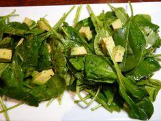 spinach and avocado salad with garlic mustard vinaigrette