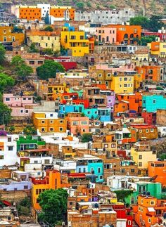 Colorful Houses of Guanajuato, Mexico | 10 of the Most Colorful Cities in the World
