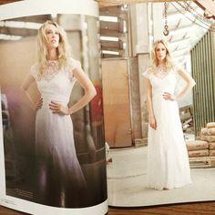 """""""Nossa coleção Prêt-à-porter com a top @talythapugliesi nas páginas da Revista Noivas RJ. Olha @julianemirovsky seu vestido! foto @rodrigosack make @gabiback #carolnasseratelier #noivacarolnasser #justmarried #wedding"""" Photo taken by @carolnasseratelier on Instagram, pinned via the InstaPin iOS App! http://www.instapinapp.com (05/29/2015)"""