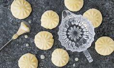 Lemon Cheesecake Cookies - Rezepte - Schweizer Milch Cheesecake Cookies, Lemon Cheesecake, Cookies Et Biscuits, Camembert Cheese, Pie, Ajouter, Baking, Sweet, Desserts