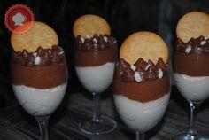 Pour un dessert léger et délicieux je vous propose cette mousse noix de coco et chocolat facile à réaliser.