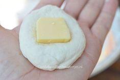Brood van de bbq gevuld met kaas