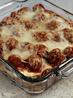 Meatball Sub Casserole ~ Hearty, classic casserole perfect for those days when you just need comfort food! This is a hearty, yummy casserole perfect for those cool, crisp days that Low Calorie Recipes, Meat Recipes, Cooking Recipes, Barbecue Recipes, Cooking Time, I Love Food, Good Food, Yummy Food, Gastronomia
