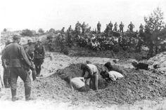 USSR, Jews digging their own graves before their execution by Einsatzkommando.