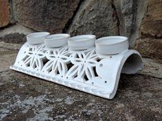 Adventní svícen - bílý / Zboží prodejce Keramika AP | Fler.cz Pottery Mugs, Ceramic Pottery, Ceramic Art, Clay Projects, Clay Crafts, Diy And Crafts, Ceramic Christmas Decorations, Keramik Design, Christmas Clay