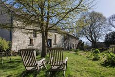 Grande Maison: A beautiful guest house in the Loire Valley offering wine tours - Further Afield Loire Valley France, B & B, 17th Century, Tours, Wine, Luxury, Plants, Beautiful, Big Houses