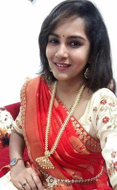 Beautiful Saree, Beautiful Indian Actress, Beautiful Women, Salwar Neck Designs, Indian Girls, Indian Ethnic, Indian Beauty Saree, India Beauty, Hottest Models