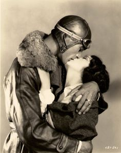 I swear all of my crushes are long deceased. I would love to be kissed by Gary Cooper. Gary Cooper & Fay Wray - Legion of the Condemned, 1928 Couples Vintage, Vintage Kiss, Look Vintage, Vintage Romance, Gary Cooper, The Kiss, Golden Age Of Hollywood, Vintage Hollywood, Classic Hollywood