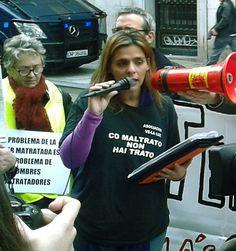 mujer del mediterraneo: Las mujeres de la Asociación Velaluz contra el maltrato machista e institucional