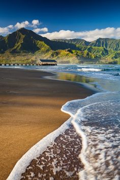 I want to surf and lay with you kissing on this beautiful beach, the town is quaint and old, love it!♡♡♡Hanalei Bay, Kauai Hawaii by Glowing Earth Photography Kauai Hawaii, Hawaii Travel, Maui, Hawaii Usa, Hawaii Beach, Usa Travel, Places To Travel, Places To See, Kauai Island