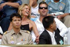 Ricky Martin y Rebecca de Alba animan al Real Madrid en el último partido de su gira asiática