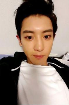 Chanyeol Cute, Park Chanyeol Exo, Kyungsoo, Chansoo, Chanbaek, K Pop Boy Band, No Way Out, Neon Aesthetic, K Pop Star