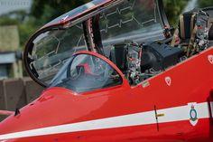 RAF Red Arrows Red Arrow Plane, Raf Red Arrows, Airplane Crafts, Aerial Acrobatics, Air Planes, Evening Sandals, Royal Air Force, Modern Warfare, Cara Delevingne