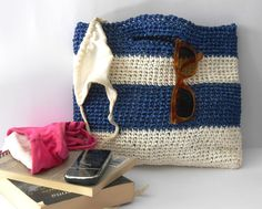 Hey, I found this really awesome Etsy listing at https://www.etsy.com/listing/188281952/crochet-clutchbag-vintage-style-crochet