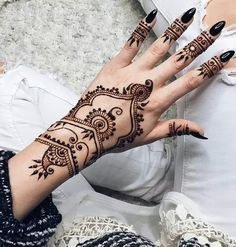 Its Sunday Funday and whats more fun than getting henna done? Come by #Gorgeous and let us decorate your hands!