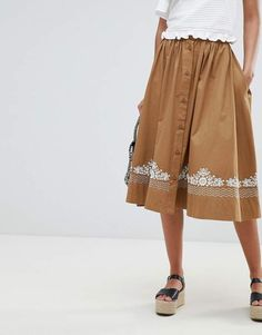 0f590e365ae French Connection Embroidered Midi Skirt #midiskirt #fashionstyle Midi Rock  Outfit, Rock Outfits,