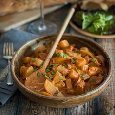 - This potato paprikash is a vegetarian take on a traditional Hungarian dish. With… This potato paprikash is a vegetarian take on a traditional Hungarian dish. With a tangy sauce that comes together quickly and easily, dinner is just 45 minutes away. Soup Recipes, Vegan Recipes, Cooking Recipes, Free Recipes, Easy Recipes, Vegetarian Chili Crock Pot, Vegetarian Meals, Ethiopian Lentils, Pinto Bean Soup