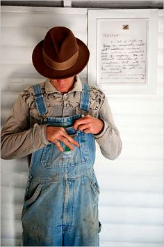 ....My FIL always wore overalls, he was a carpenter!  This reminds me so much of him!  Except his hat was gray.