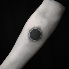 "rwatattoo: ""Solar Eclipse for Amanda. #houseofthievestattoo (at House of Thieves) """