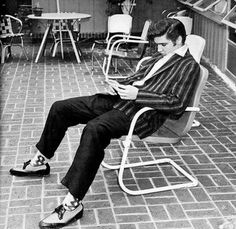 Ever since he was a kid, Elvis had a very distinct, unique clothing style that was unlike anyone else's at his school. He was  often mocked by his peers, and didn't have very many friends. Both Elvis' style as well as his music were heavily influenced by black culture. It was said that he shopped in the more African American parts of town, because he preferred their flashy, colorful clothing.