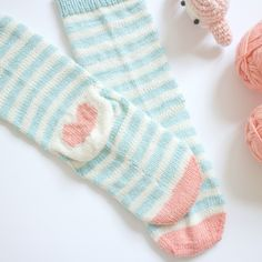 knitted love socks - free pattern