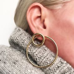 Early AM Work In Combined JF Simple Gold Smooth Earrings and XL Smooth Earrings  to Create A Clean Statement Wear them Solo Or Together Depending On Your Mood #jenniferfisher . . . . #gold #jewelry #fashion #accessories #earrings #statementearrings #ootd