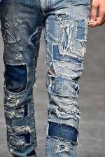 Detalhes // Dolce & Gabbana, Milão, Verão 2016 RTW // Thumb Patched Jeans, Nudie Jeans, Denim Jeans Men, Levis, Patchwork Jeans, Denim Fabric, How To Patch Jeans, Estilo Jeans, Denim Ideas