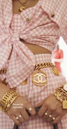 Cute outfit, too much in accessories.