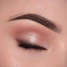 Hochzeit Nude Peach Pink Charcoal Eye Makeup - Make Up - . - Make up ideen - Eye-Makeup Light Makeup Looks, Light Eye Makeup, Pink Eye Makeup, Colorful Eye Makeup, Nude Makeup, Makeup For Green Eyes, Natural Eye Makeup, Eye Makeup Tips, Makeup Geek